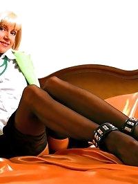 Horny leggy secretary in sexy black stockings