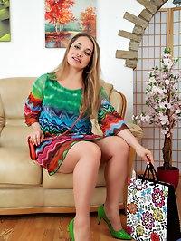 British milf Olga Cabaeva wants to invite you in for a..