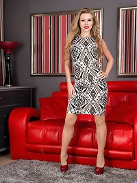 Blonde beauty Michelle Moist is ready to rock your world...