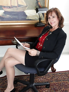 Sexy Secretary Nylon Pics
